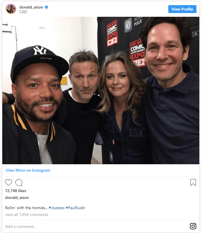 A tweet with a picture of Paul Rudd at comic con